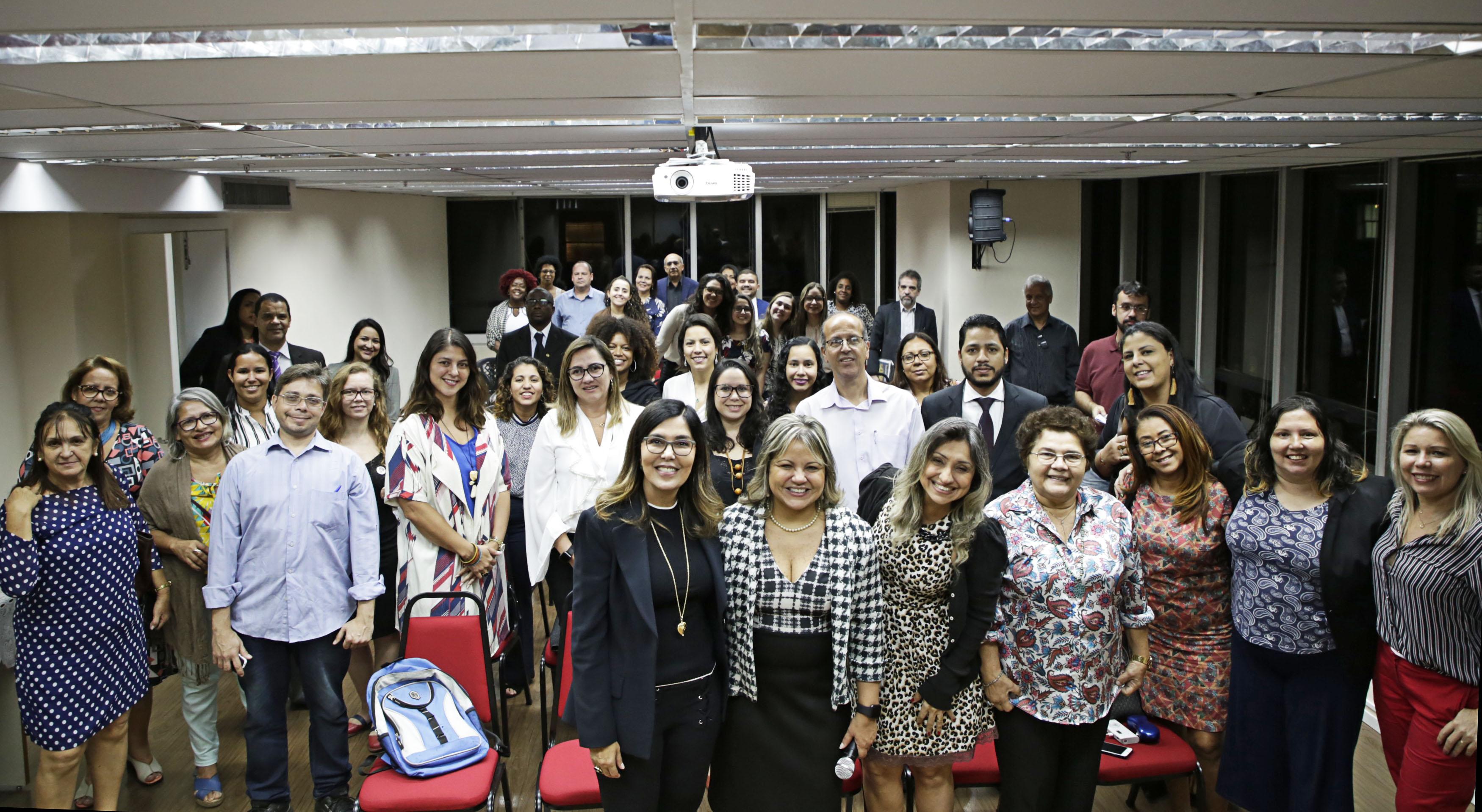 A Caarj Promove O Projeto Aperfeiçoando A Advocacia