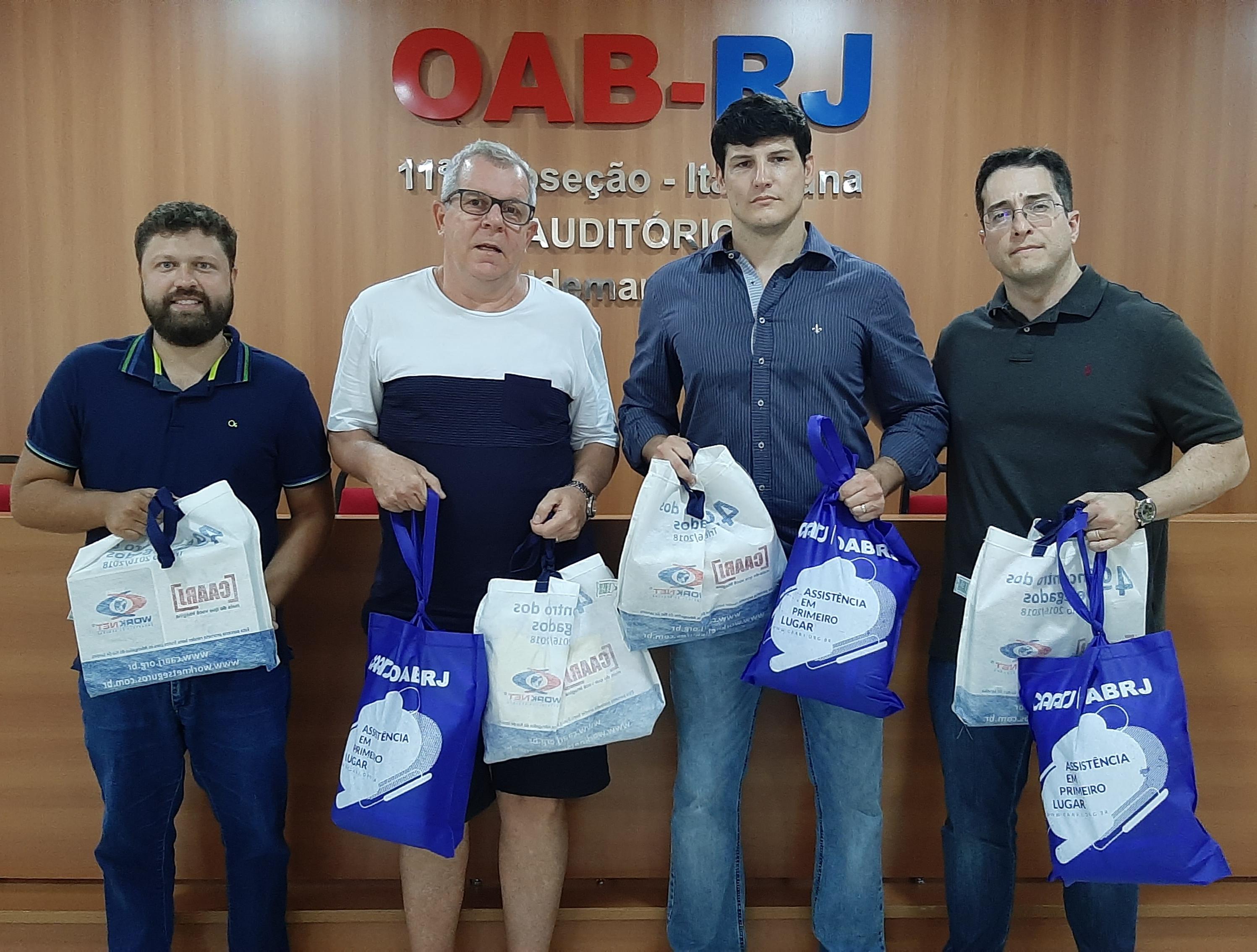 Caarj E OAB Assistem As  Vítimas Das Enchentes No Noroeste Fluminense